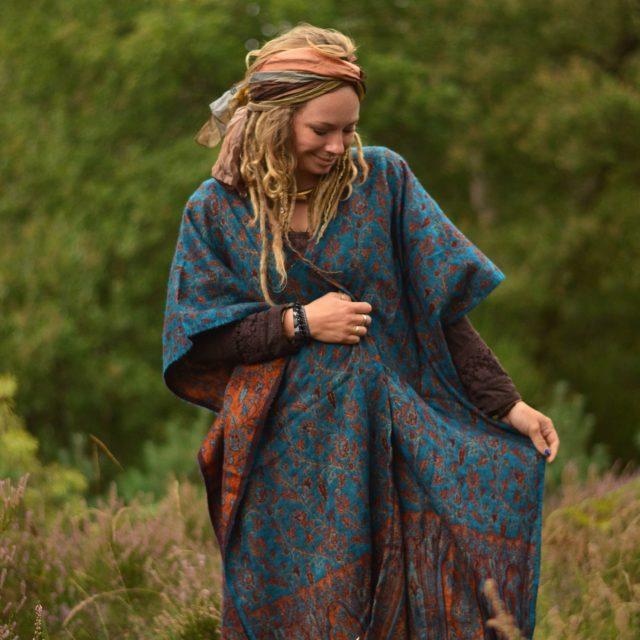 poncho-hippie-boho-bohemian-gebluemt-tuerkis