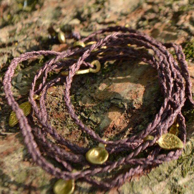 armband-wickel-lila-ethno-tribal-fusion