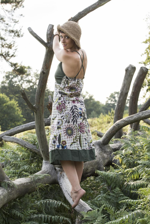 hippie-kleid-blumen-gemustert