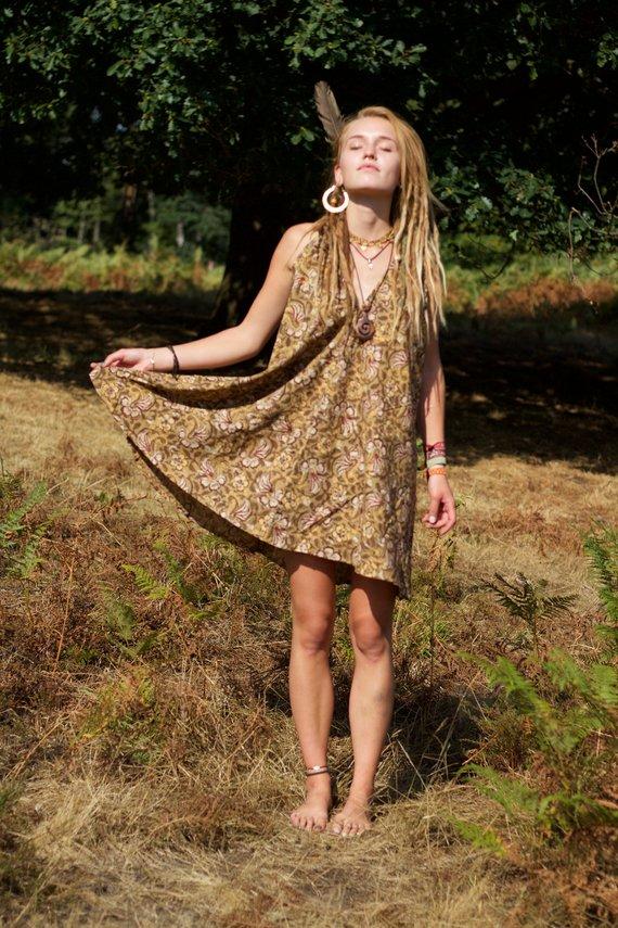 kleid-hippie-natural-ethno-blumen-beige