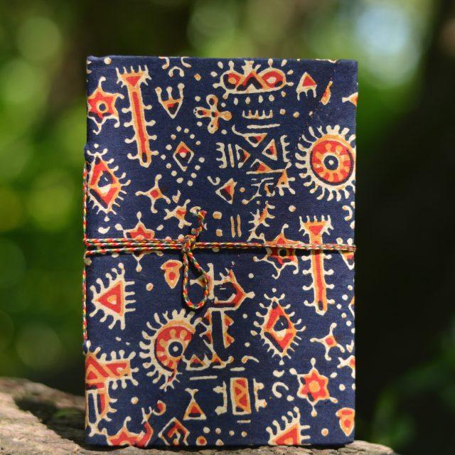 heft-gemustert-geschenk-fair-made-blau-ethno