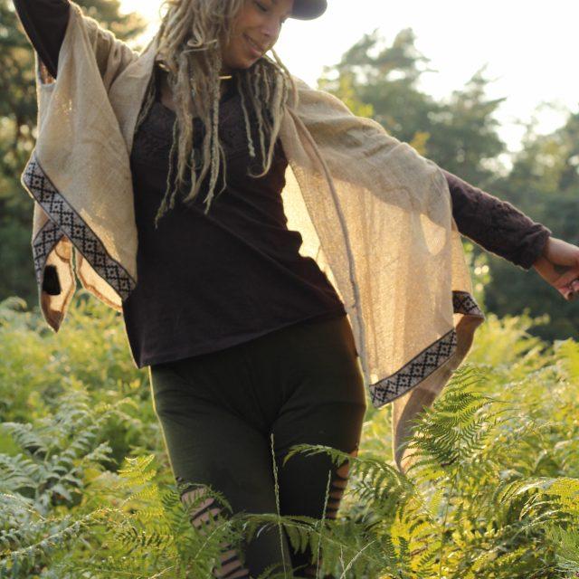 poncho-überwurf-schal-natural-hippie-boho-bohemian-stil
