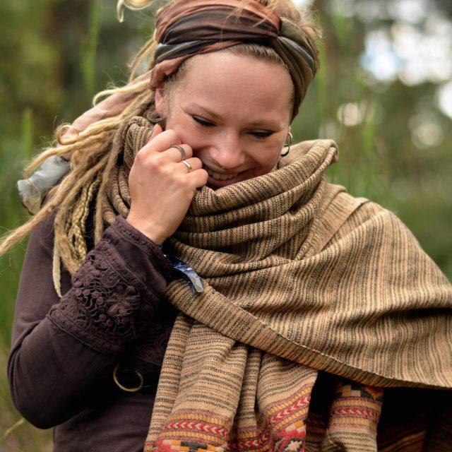 schal-hippie-kleidung-fair-erdfarben-gestreift