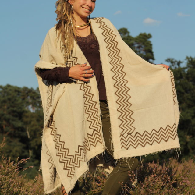 poncho-hippie-tribal-ethno-boho-style