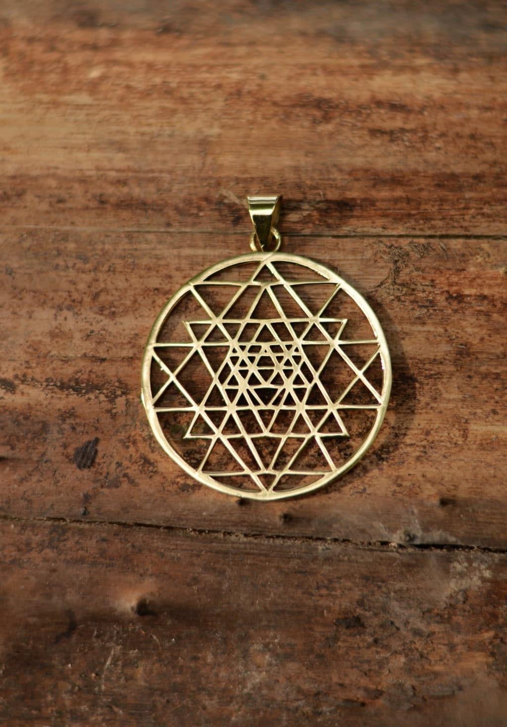 shri-yantra-amulett-yoga-kraft-symbol