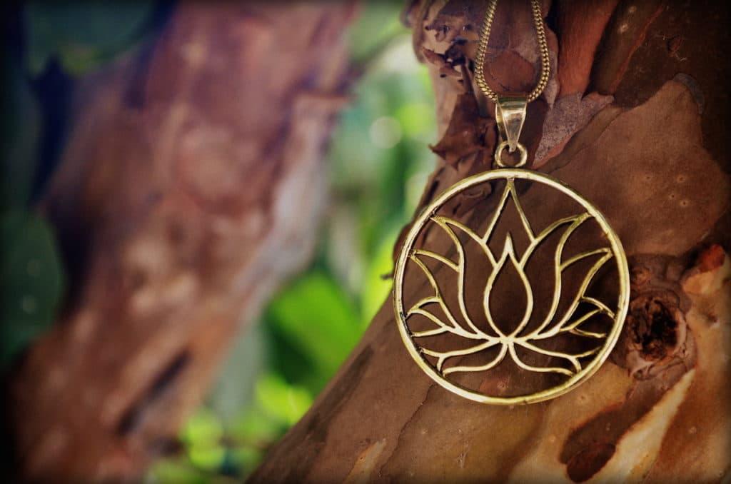 lotus-symbol-yoga-hippie-meditation
