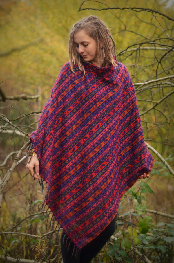 poncho-yak-schal-gemustert-hippie-fairfashion
