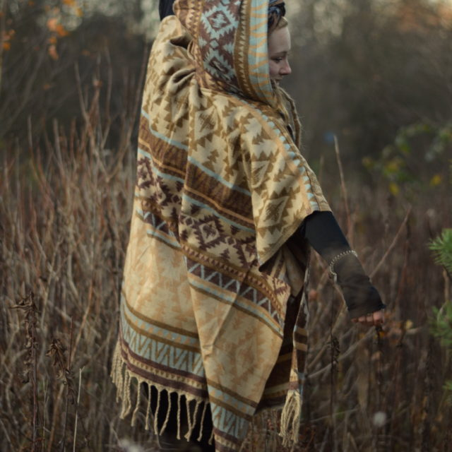 yak-schal-poncho-kapuze-hippie-psy-goa-wear