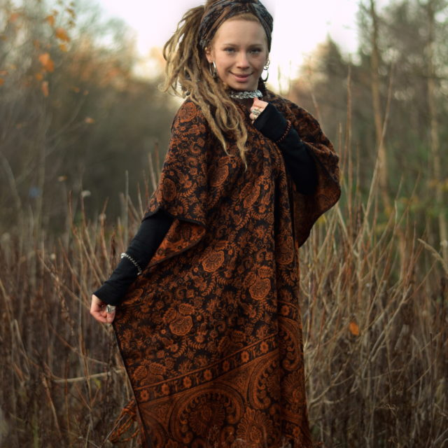 zipfel-jacke-poncho-hippie-bohemian-stil-fair