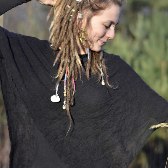 zipfel-top-poncho-festival-fashion-fair-grunge-style