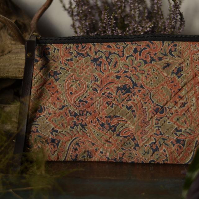 clutch-handtasche-paisley-pastell-farben