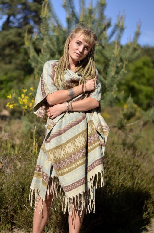 poncho-hippie-chic-bohemian-stil