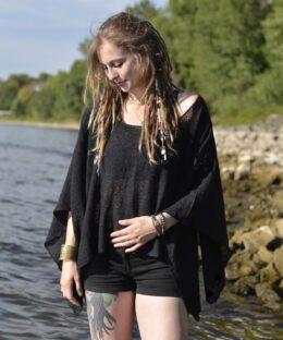 poncho-schwarz-chrochet-hippie-mode