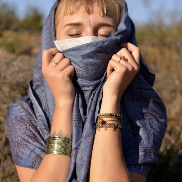 hare-rama-tuch-mantras-yoga-schal
