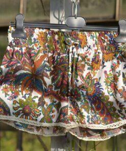 hotpants-blumen-paisley-flower-bunt