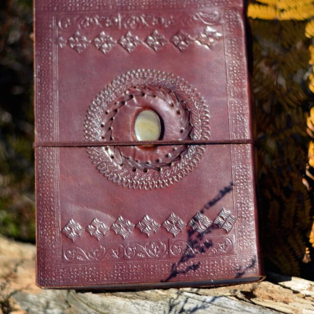lederbuch-edelstein-handmade-oriental