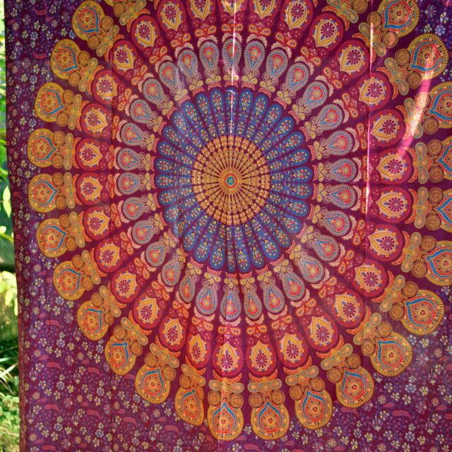 wandtuch-mandala-yoga-rot