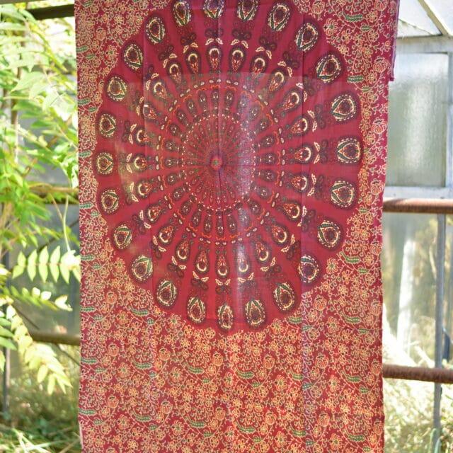 wandtuch-sarong-mandala-rot