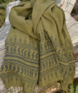 schal-boho-chic-erdfarben-handmade