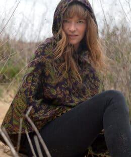 poncho-jacke-hippie-kleidung-fairtrade-lila-paisley