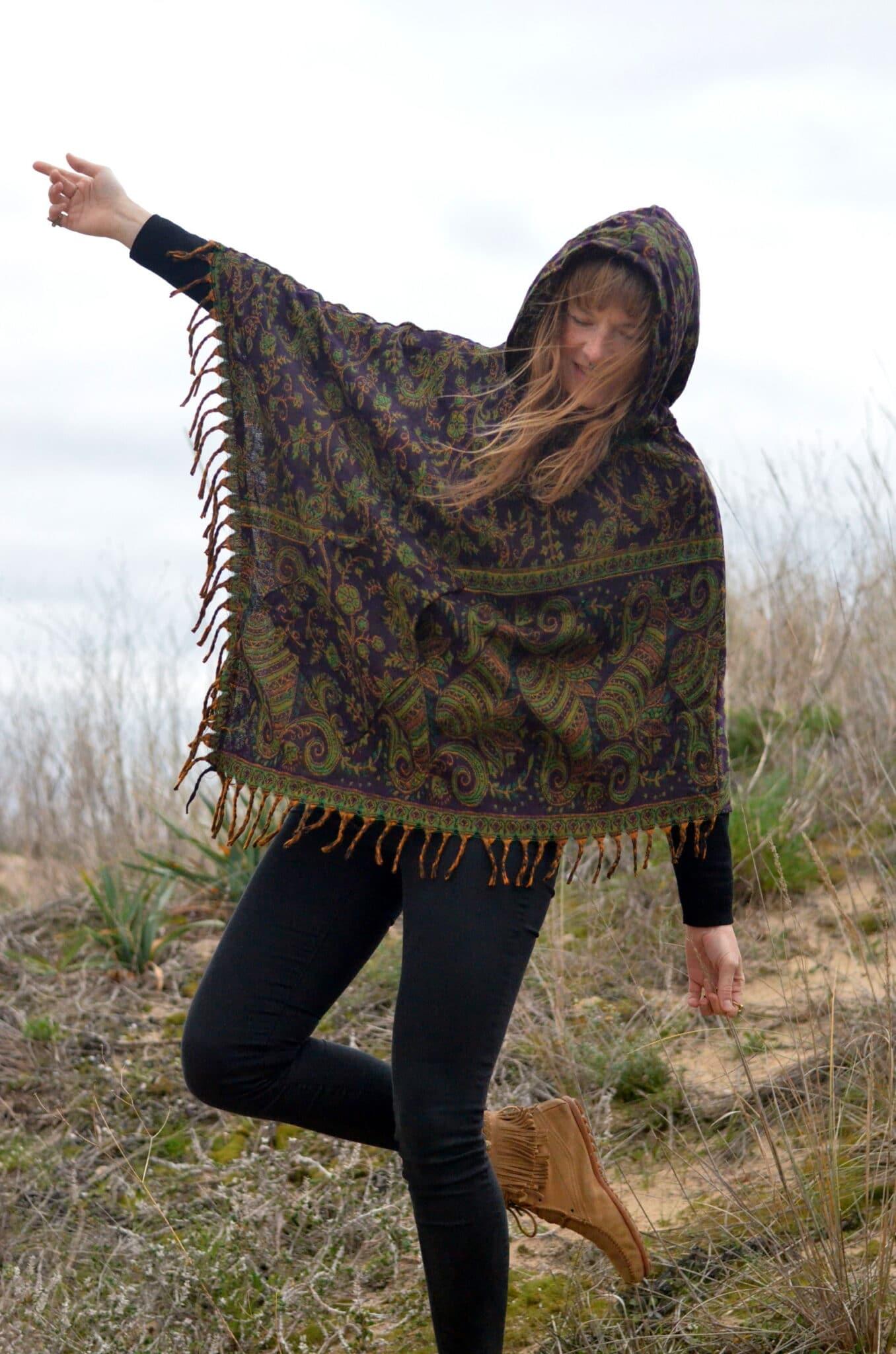 poncho-kapuze-paisley-hippie-shop-nachhaltigponcho-kapuze-paisley-hippie-shop-nachhaltig