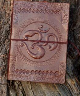 lederbuch-handgemacht-om-mantra-symbol