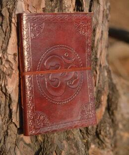 lederbuch-journaling-yoga-mantra-om