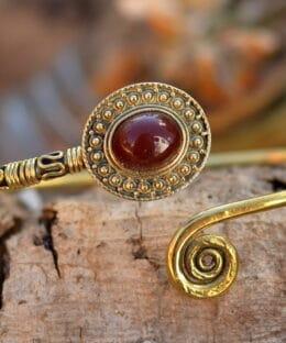 armreif-spiralen-symbol-schmuck-ethno