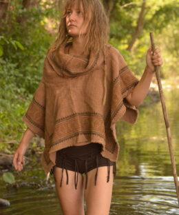 poncho-erdfarben-witchy-larp-convention